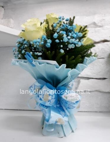 Mazzo Di Fiori X Nascita.Mini Bouquet Per Nascita Azzurro Rosa Bianco Fiori Invio E